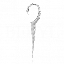 Nausznica srebrna z wiszącymi długimi łańcuszkami